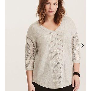 Torrid Ivory V-Neck Shirttail Tunic Sweater